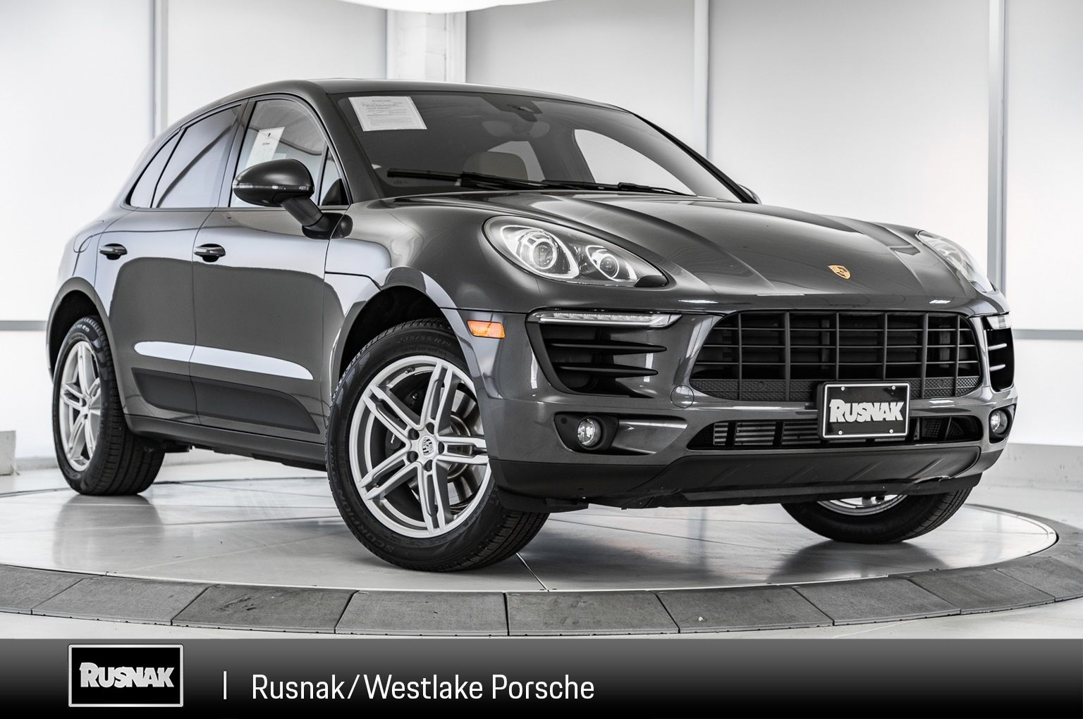 Porsche Certified Pre Owned >> Certified Pre Owned 2018 Porsche Macan Base